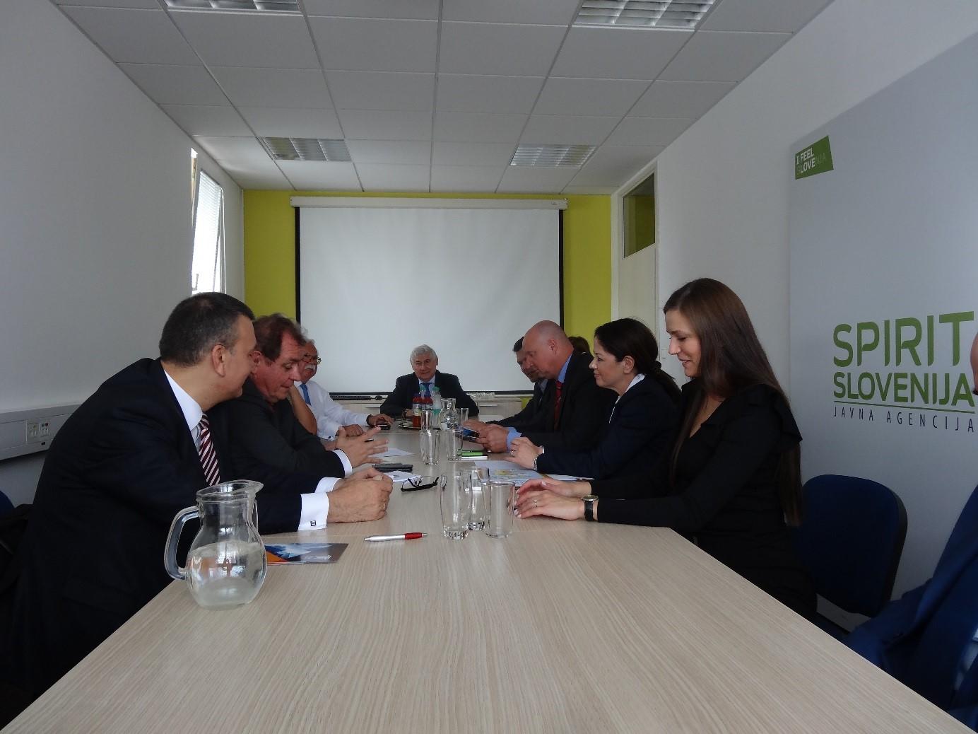 Na sestanku se je izkazalo, da obstaja veliko možnosti za krepitev medsebojnih gospodarskih vezi.