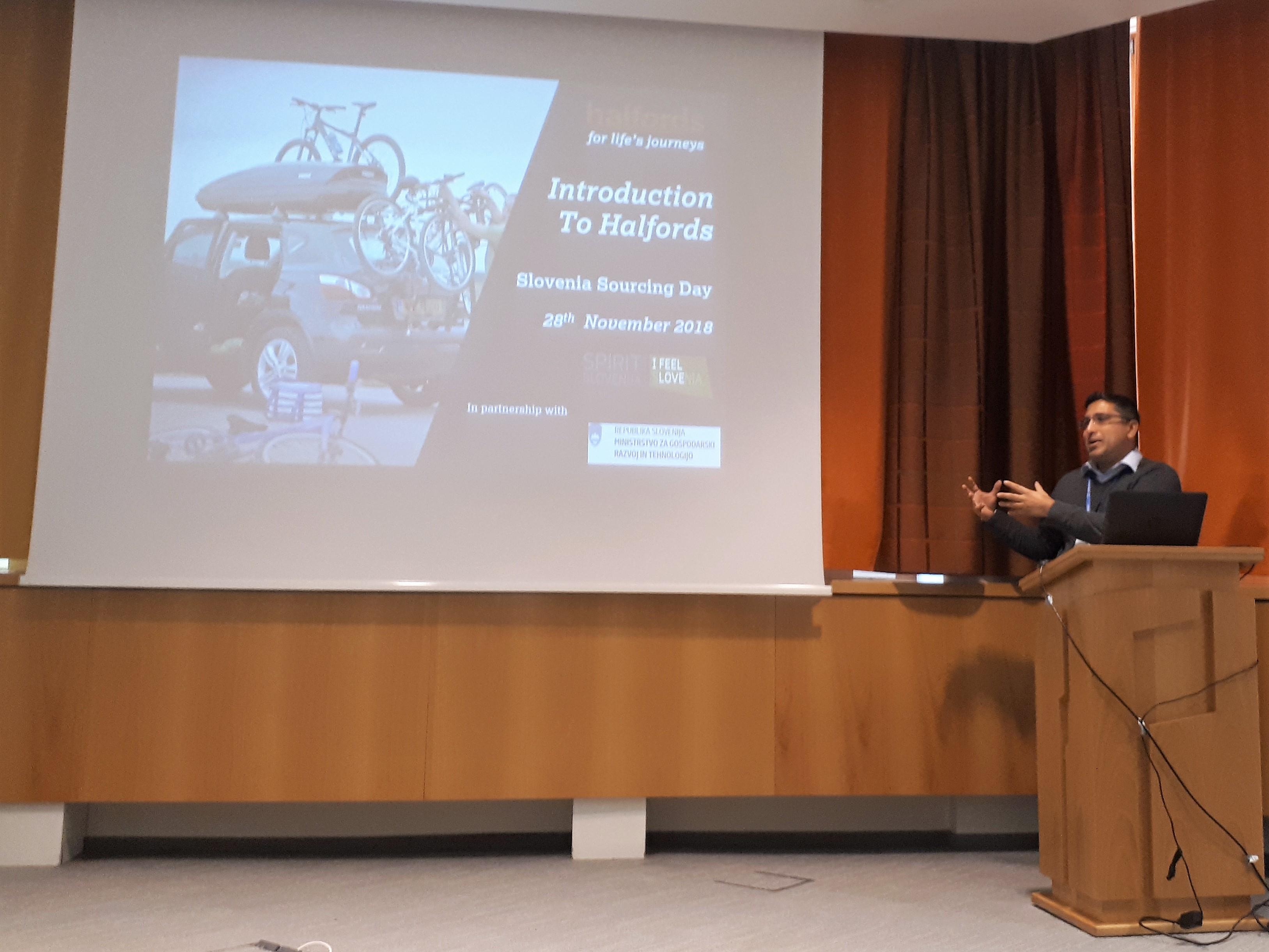 Anuraag Parashar, nabavnik v podjetju Halfords, je uvodom predstavil verigo Halfords in zahteve, ki jih imajo do svojih dobaiteljev.