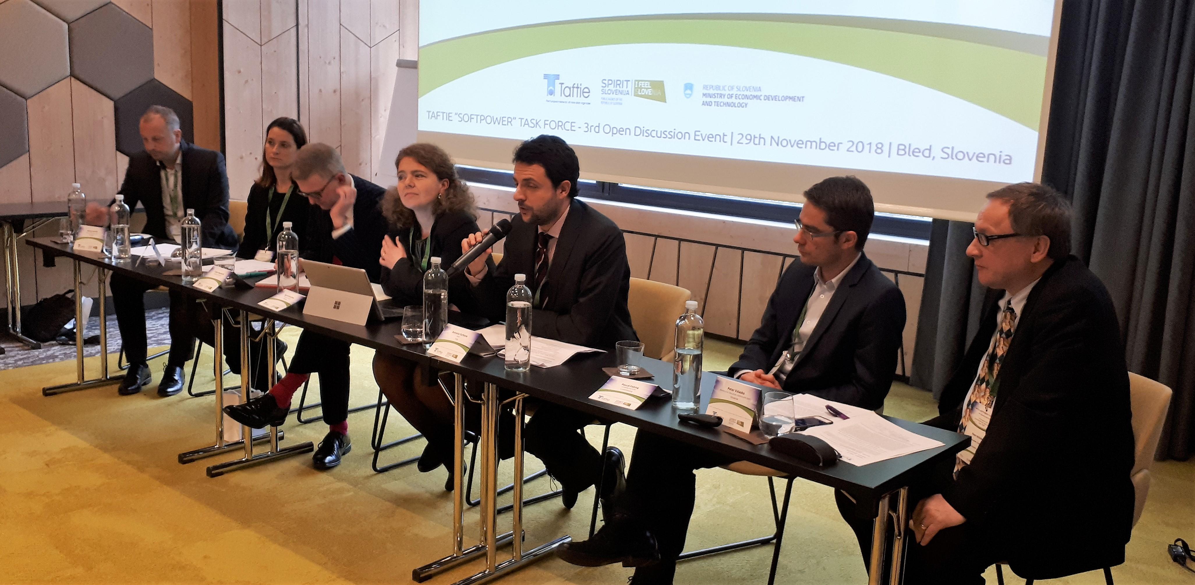 Na delovnem posvetu se je zbralo 55 udeležencev iz evropskih inovacijskih agencij, med katerimi je tudi SPIRIT Slovenija.